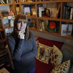Perla Suez: la ficción en busca del origen